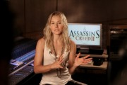 Kristen Bell - Assassin's Creed II press stills -=ARCHIVE=-