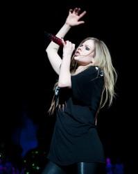 Аврил Лавин, фото 13851. Avril Lavigne Q102 Jingle Ball 2011 in Philadelphia (7.12.2011)*same IB gallery as above, foto 13851,