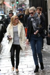 Geri Halliwell - shopping in Paris (9x)