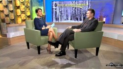 Robin Roberts---17.01.2012--GMA--first class legs--abc (USA)
