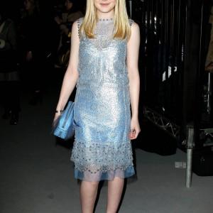 Dakota Fanning / Michael Sheen - Imagenes/Videos de Paparazzi / Estudio/ Eventos etc. - Página 5 62c54d174784439