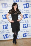 Зуи Дешанель, фото 1749. Zooey Deschanel Alliance For Children's Rights Annual Dinner in Beverly Hills - March 1, 2012, foto 1749