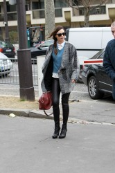 Миранда Керр, фото 3766. Miranda Kerr - arriving at the Miu Miu runway show, Paris - March 7, foto 3766
