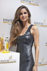 Арианднэ Атилес, фото 454. Ariadne Artiles the Opening of Pantene Clinic in Madrid, 07.03.2012, foto 454