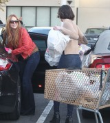 Линдси Лохан, фото 23120. Lindsay Lohan - out and about in Beverly Hills 03/08/12, foto 23120