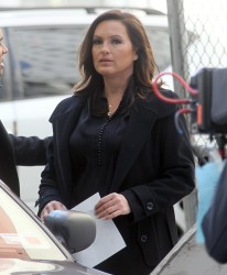 Маришка Харгитей, фото 1239. Mariska Hargitay on set of 'Law and Order SVU', march 8, foto 1239