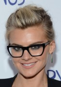 Eliza Coupe - an evening With Happy Endings in North Hollywood 05/24/12